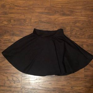 Size medium high waisted skirt super cute
